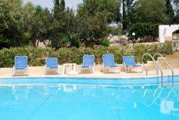 Бассейн. Кипр, Си Кейвз : Прекрасная вилла с 2-мя спальнями, с бассейном, сауной, джакузи и барбекю