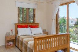 Спальня. Кипр, Сиренс Бич - Айя Текла : Потрясающая вилла с 2-мя спальнями, с бассейном, просторным зелёным двориком с lounge-зоной и традиционным кипрским барбекю