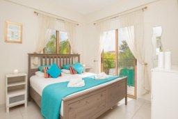 Спальня. Кипр, Сиренс Бич - Айя Текла : Роскошная вилла с бассейном, с 2-мя спальнями, прекрасным зелёным садом с патио и барбкю