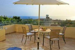 Балкон. Кипр, Си Кейвз : Шикарная вилла с видом на море, с 4-мя спальнями, с бассейном, зелёным двориком с патио и барбекю, с джакузи и сауной