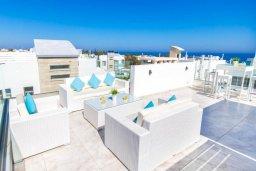 Терраса. Кипр, Каво Марис Протарас : Эксклюзивная вилла в 100 метрах от пляжа с потрясающим видом на море, с 5-ю спальнями, с бассейном, лифтом, террасой на крыше и барбекю