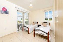 Спальня 2. Кипр, Каппарис : Современный апартамент с 3-мя спальнями, меблированным балконом, в комплексе с общим бассейном