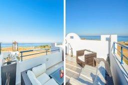 Патио. Кипр, Каппарис : Роскошная вилла с панорамным видом на море, с 4-мя спальнями, с бассейном и lounge-зоной на крыше