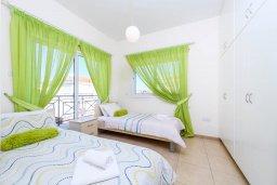Спальня 3. Кипр, Центр Айя Напы : Шикарная вилла с 4-мя спальнями, с бассейном и большим двориком с патио и барбекю