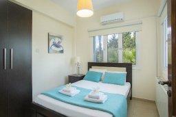 Спальня. Кипр, Санрайз Протарас : Изысканная вилла с 5-ю спальнями, с большим бассейном, зелёной территорией с барбекю и беседкой