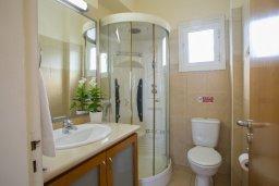 Ванная комната. Кипр, Санрайз Протарас : Шикарная вилла с 3-мя спальнями, с бассейном и патио, с частным садом с бильярдом и настольным теннисом