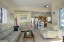 Гостиная. Кипр, Санрайз Протарас : Шикарная вилла с 3-мя спальнями, с бассейном и патио, с частным садом с бильярдом и настольным теннисом