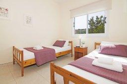 Спальня 2. Кипр, Коннос Бэй : Прекрасная вилла с видом на море, с 3-мя спальнями, с бассейном, расположена недалеко от пляжа Mimosa