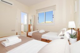 Спальня 3. Кипр, Коннос Бэй : Прекрасная вилла с видом на море, с 3-мя спальнями, с бассейном, расположена недалеко от пляжа Mimosa