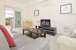 Гостиная. Кипр, Коннос Бэй : Прекрасная вилла с видом на море, с 3-мя спальнями, с бассейном, расположена недалеко от пляжа Mimosa