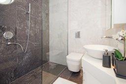 Ванная комната 2. Кипр, Каво Марис Протарас : Шикарный апартамент в 100 метрах от пляжа, с тремя спальнями, двумя ванными комнатами и балконом с шикарным видом на море