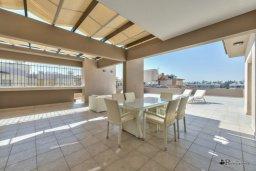 Терраса. Кипр, Мутаяка Лимассол : Пентхаус с просторной гостиной, тремя отдельными спальнями, двумя ванными комнатами и большой террасой, для 6 человек