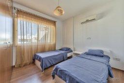 Спальня 3. Кипр, Мутаяка Лимассол : Пентхаус с просторной гостиной, тремя отдельными спальнями, двумя ванными комнатами и большой террасой, для 6 человек