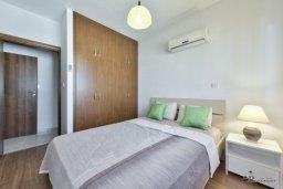 Спальня. Кипр, Мутаяка Лимассол : Пентхаус с просторной гостиной, тремя отдельными спальнями, двумя ванными комнатами и большой террасой, для 6 человек