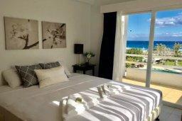 Спальня 3. Кипр, Пернера : Апартамент в комплексе с бассейном, в 100 метрах от пляжа, с гостиной, тремя спальнями, двумя ванными комнатами и двумя балконами с видом на море