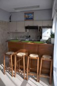 Студия (гостиная+кухня). Кипр, Ларнака город : Студия с телевизором, кондиционером и видом на море