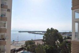 Вид на море. Кипр, Ларнака город : Студия с телевизором, кондиционером и видом на море