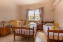 Спальня. Кипр, Каво Марис Протарас : Уютная вилла с 2-мя спальнями, с зелёным двориком с патио и барбекю, расположена около залива Fig Tree Bay