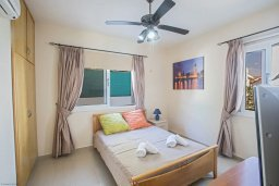 Спальня. Кипр, Коннос Бэй : Уютная вилла с 3-мя спальнями, с бассейном и просторным двориком с патио и барбекю