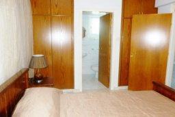 Спальня. Кипр, Декелия - Ороклини : Двухэтажная вилла с двориком недалеко от пляжа, 3 спальни, 2 ванные комнаты, Wi-Fi