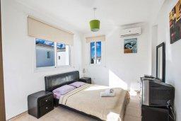 Спальня. Кипр, Пернера Тринити : Современная вилла с бассейном и двориком, 4 спальни, 3 ванные комнаты, барбекю, парковка, Wi-Fi