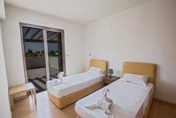 Спальня 3. Кипр, Нисси Бич : Современная вилла с бассейном и зеленым двориком, 3 спальни, 2 ванные комнаты, барбекю, парковка, Wi-Fi