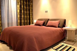 Спальня. Кипр, Гермасойя Лимассол : Апартамент в 50 метрах от пляжа, с гостиной, отдельной спальней и террасой с видом на море