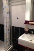 Ванная комната. Кипр, Гермасойя Лимассол : Апартамент в 50 метрах от пляжа, с гостиной, отдельной спальней и террасой с видом на море