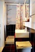 Ванная комната. Кипр, Гермасойя Лимассол : Семейный апартамент в 50 метрах от пляжа, с гостиной, отдельной спальней и террасой с видом на море