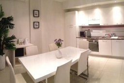 Кухня. Кипр, Гермасойя Лимассол : Семейный апартамент в 50 метрах от пляжа, с гостиной, отдельной спальней и террасой с видом на море