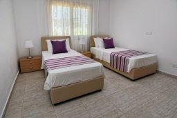 Спальня 4. Кипр, Си Кейвз : Роскошная вилла класса люкс, с 5-ю спальнями, с бассейном, зелённым двориком, барбекю и винным погребом