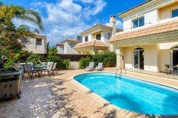 Бассейн. Кипр, Каппарис : Уютная вилла с 2-мя спальнями, с бассейном и пышным садом с патио и барбекю