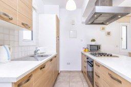 Кухня. Кипр, Каппарис : Уютная вилла с 2-мя спальнями, с бассейном и пышным садом с патио и барбекю
