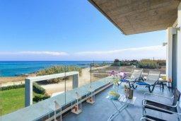 Балкон. Кипр, Пернера : Роскошная современная вилла с шикарным видом на море, с 6-ю спальнями, с бассейном и джакузи