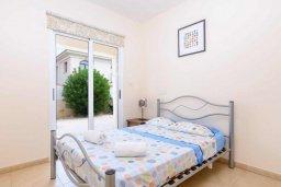 Спальня. Кипр, Каппарис : Прекрасная вилла с 4-мя спальнями, с бассейном и приватным двориком с беседкой и барбекю