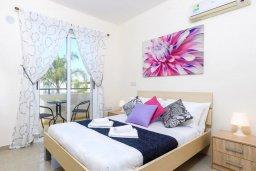Спальня. Кипр, Каппарис : Прекрасная вилла с 3-мя спальнями, с бассейном и приватным двориком с патио и барбекю