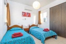 Спальня 2. Кипр, Нисси Бич : Прекрасная вилла с 3-мя спальнями, с бассейном и двориком с патио и барбекю, расположена в нескольких минутах ходьбы от пляжа Nissi Beach