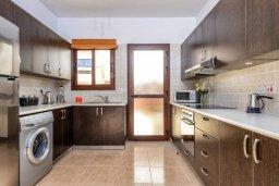 Кухня. Кипр, Каппарис : Уютная вилла с видом на море, с 3-мя спальнями, с бассейном и приватным двориком с патио и барбекю