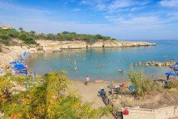 Ближайший пляж. Кипр, Каппарис : Уютная вилла с видом на море, с 3-мя спальнями, с бассейном и приватным двориком с патио и барбекю