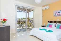 Спальня. Кипр, Коннос Бэй : Роскошная вилла с 3-мя спальнями, с бассейном, тенистой террасой с патио и барбекю