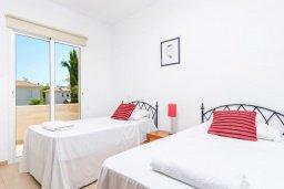Спальня 2. Кипр, Каппарис : Превосходная вилла с 3-мя спальнями, с бассейном и зеленым двориком с патио и барбекю