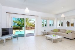 Гостиная. Кипр, Пернера Тринити : Прекрасная вилла с 3-мя спальнями, с бассейном и приватным двориком с барбекю