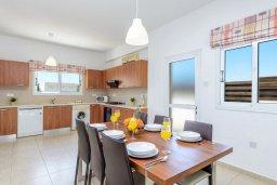 Обеденная зона. Кипр, Пернера Тринити : Прекрасная вилла с 3-мя спальнями, с бассейном и приватным двориком с барбекю