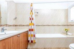 Ванная комната 2. Кипр, Пернера Тринити : Прекрасная вилла с 3-мя спальнями, с бассейном и приватным двориком с барбекю