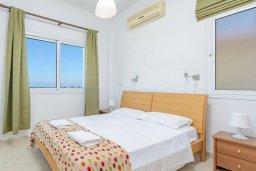 Спальня. Кипр, Пернера Тринити : Прекрасная вилла с 3-мя спальнями, с бассейном и приватным двориком с барбекю