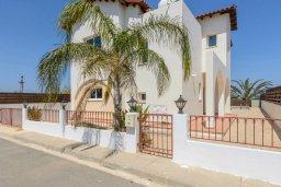 Фасад дома. Кипр, Пернера Тринити : Прекрасная вилла с 3-мя спальнями, с бассейном и приватным двориком с барбекю