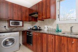 Кухня. Кипр, Пернера : Прекрасная вилла с 2-мя спальнями, с уютным двориком с солнечной террасой с патио и барбекю