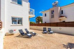 Территория. Кипр, Пернера : Прекрасная вилла с 2-мя спальнями, с уютным двориком с солнечной террасой с патио и барбекю