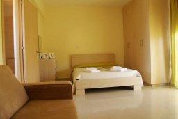 Спальня 2. Кипр, Каппарис : Уютный таунхаус с 3-мя спальнями, с приватным двориком с патио, в комплексе с бассейном, теннисным кортом и тренажерным залом