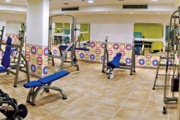 Прочее. Кипр, Каппарис : Уютный апартамент с двумя спальнями и балконом, в комплексе с бассейном, тренажерным залом и теннисным кортом